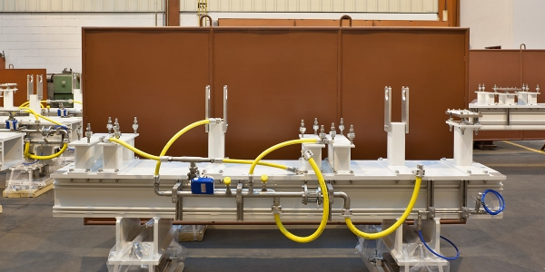 Beam transport systems for proton therapy